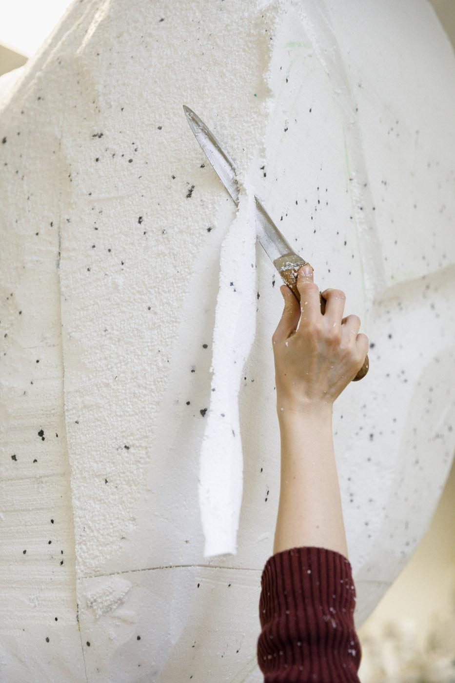 Messer Schnitzen Styropor Skulptur